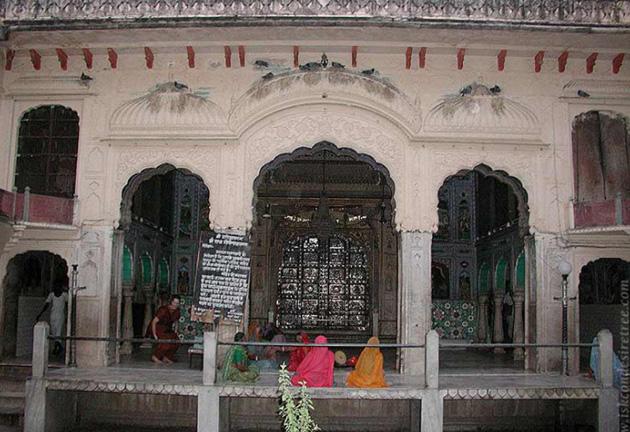 Шримати Джахнави-деви, супруга Господа Нитьянанды, явление
